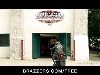 Brazzers - oriental mechanic skin diamond rides large shlong as pay