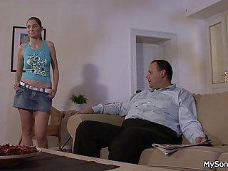 聪明的爷爷欺骗了她吞下他的乔克